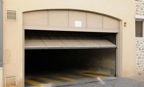 Woodland Hills garage door fixer